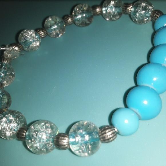 LisaJean Jewelry - Glass Beaded Bracelet